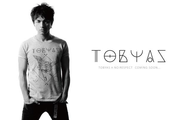TOBYAS BAND TEE